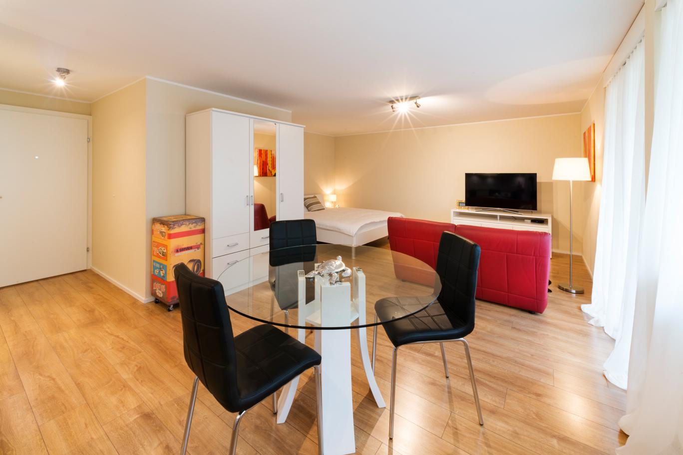 pluto 1 5 zimmer apartment in wallisellen reloc. Black Bedroom Furniture Sets. Home Design Ideas